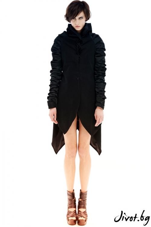Черно сако с висока яка / Maria Queen Maria
