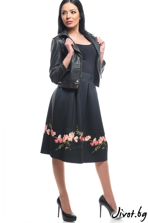 Черна дамска пола с флорален мотив / MyMagenta