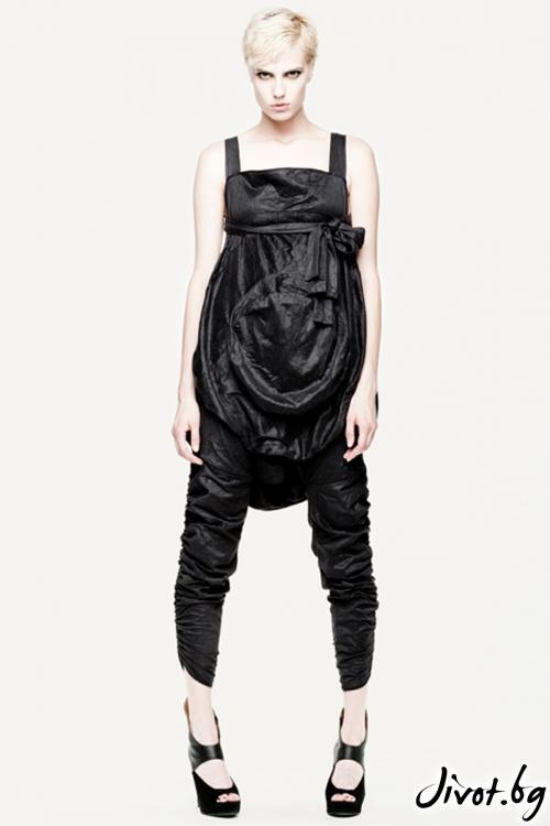 Черен панталон, трансформиращ се в гащеризон / Maria Queen Maria