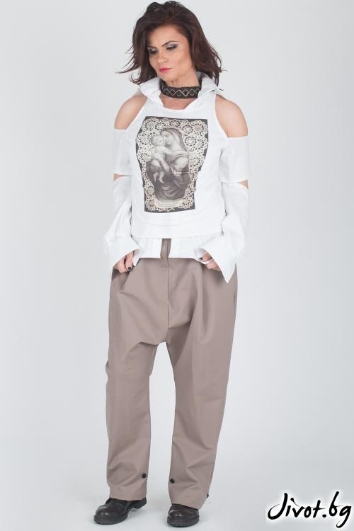 Бяла блуза с принт / Модна История