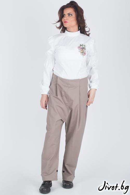 Бяла дамска блуза / Модна История