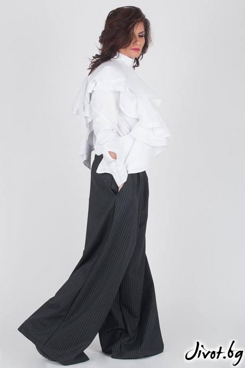 Бяла широка дамска блуза / Модна История