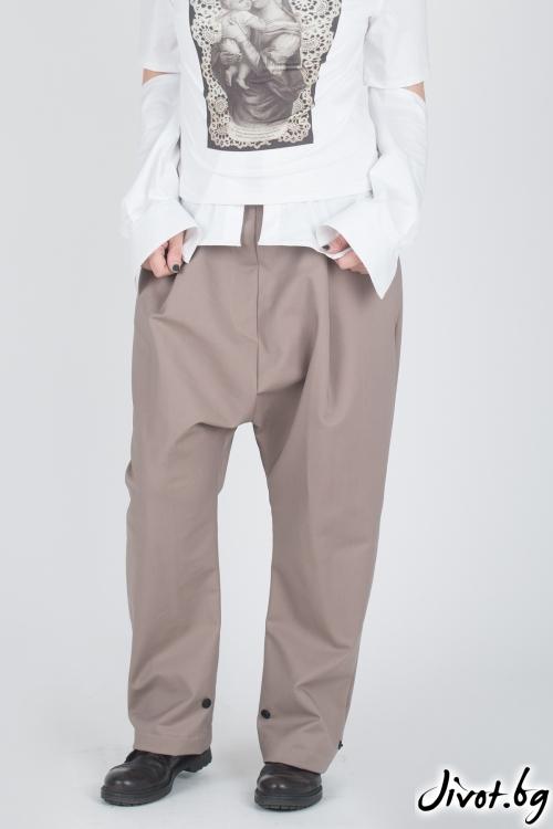 Широк дамски панталон / Модна История
