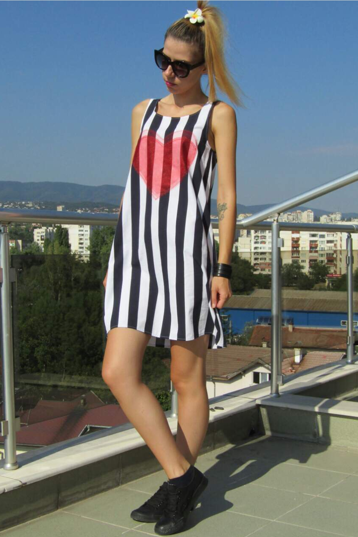 Раирана рокля със 3D сърце от тюл / FABRA MODA STUDIO / FABRA MODA STUDIO