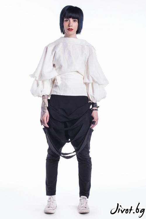 Бяла риза от лен / Maria Queen Maria