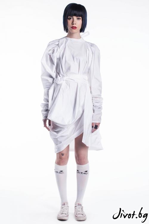 Бяла лятна рокля / Maria Queen Maria