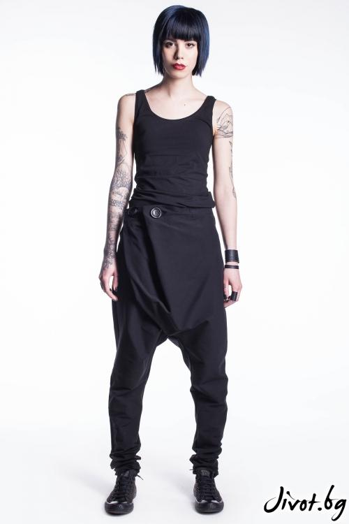 Черен панталон със свободно дъно / Maria Queen Maria