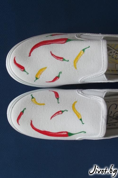"""Бели ръчно рисувани спортни обувки """"Чушки"""" / FETSKI"""