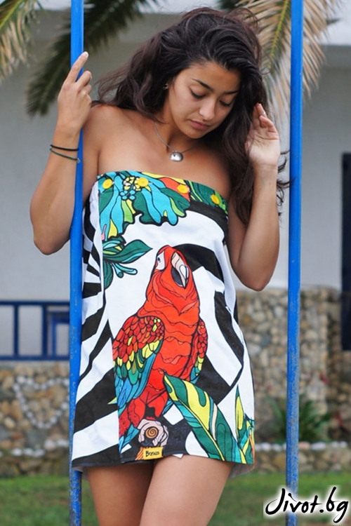"""Плажна рокля,парео и кърпа в едно """"Parrot"""""""