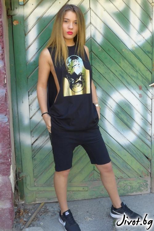 Къси дамски шорти със страничен кант / TONI DARK