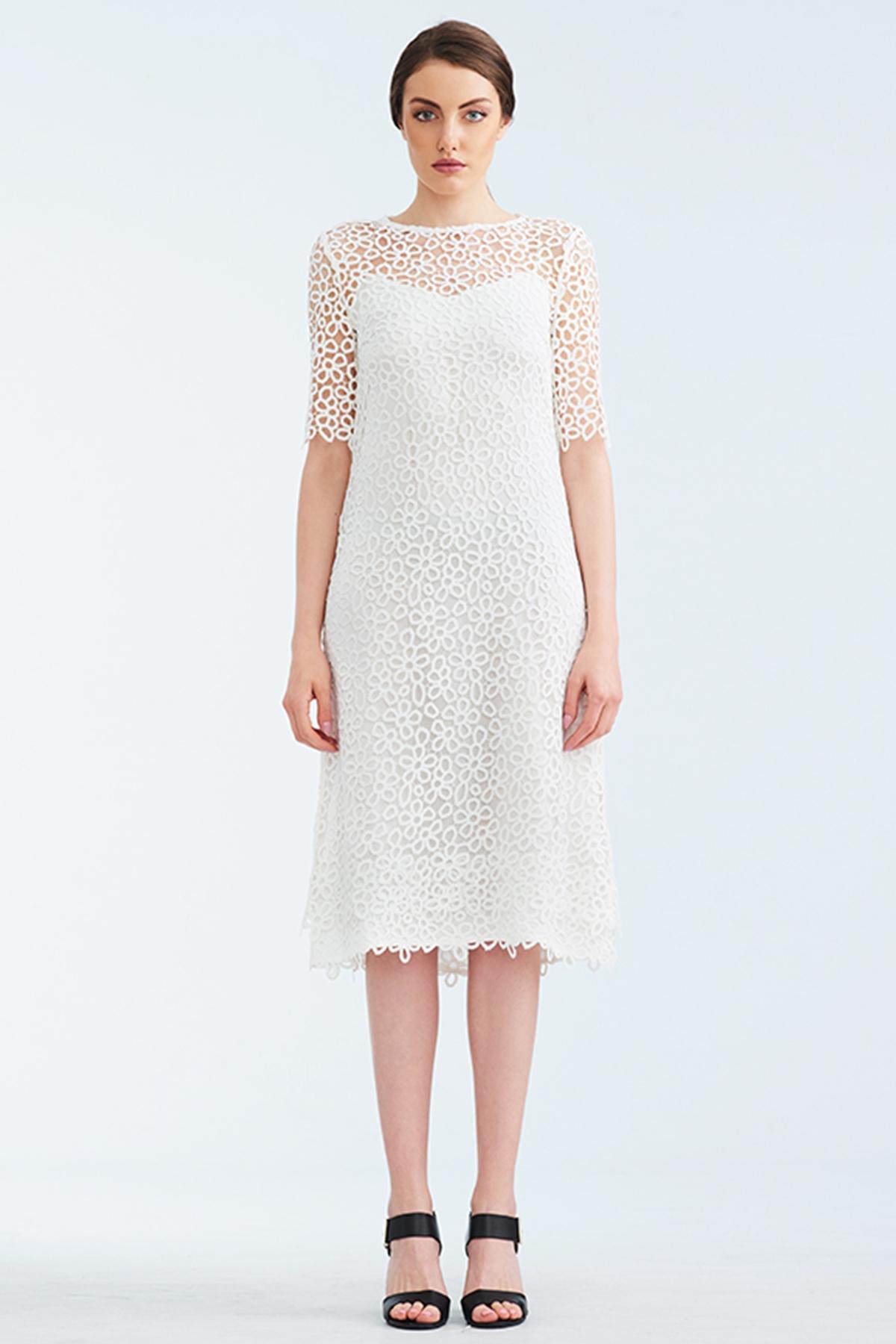 Бяла дантелена рокля / Lila Style House