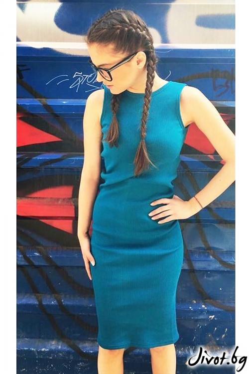 Привлекателна синя рокля с гол гръб / VESTITI