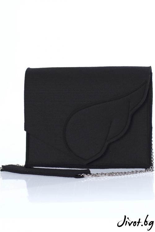 """Черна чанта """"Крило"""" с метална верижка / EMVy"""
