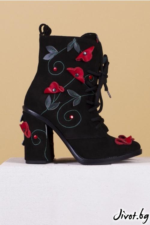 Ръчно декорирани черни боти Black Mist and Poppies / PESH ART