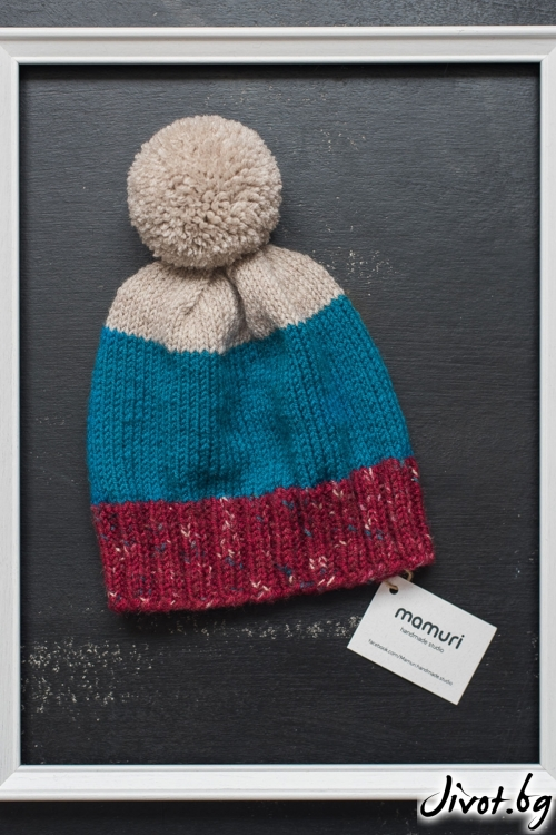 Шарена ръчно плетена шапка с понпон / MAMURI Handmade studio