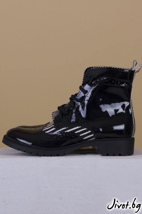 Дамски ръчно декорирани кожени обувки Stripe Huntsman Boots / PESH ART