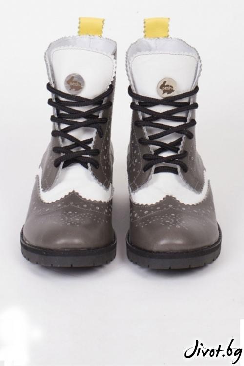Дамски ръчно декорирани кожени обувки Grayscale and a Sun Beam / PESH ART