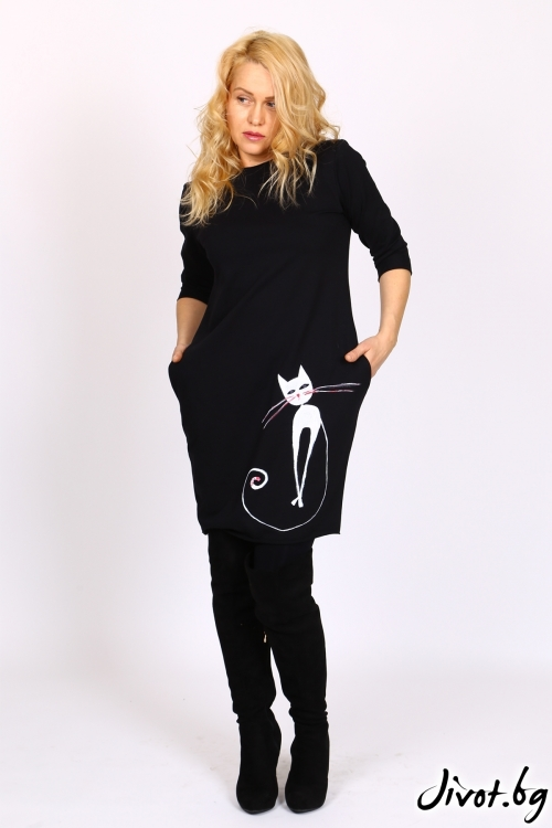 Черна рокля с ръчно рисувана котка