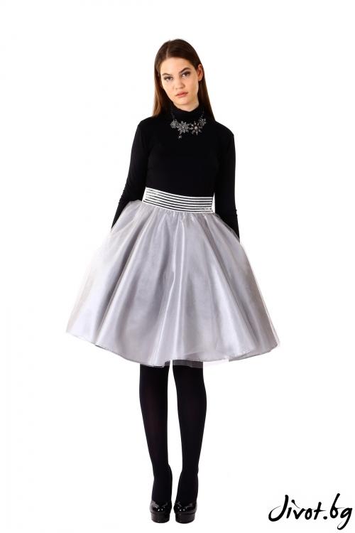 Дамска пола от тюл в сиво
