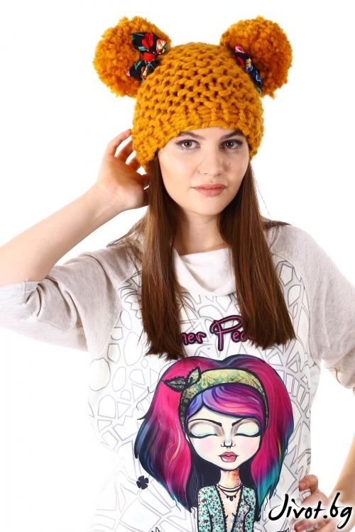 Ръчно плетена шапка в цвят охра / Cherie Marie