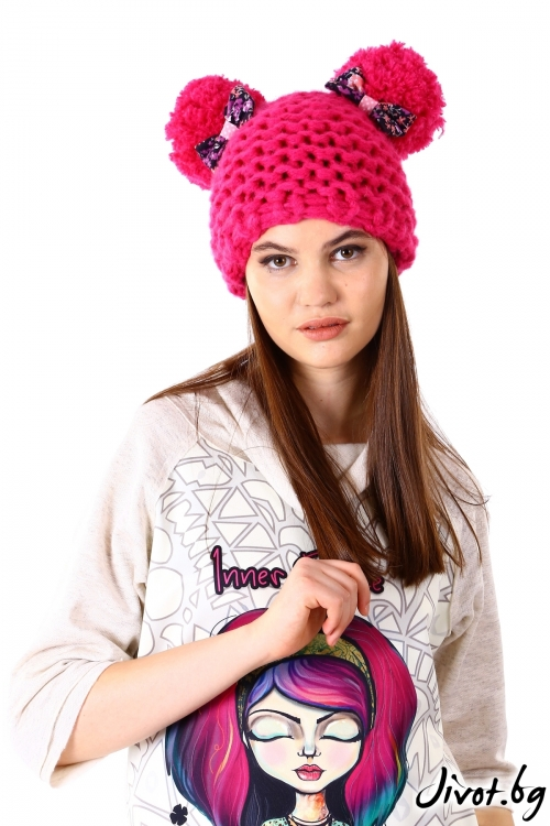 Ръчно плетена шапка в цикламен цвят / Cherie Marie