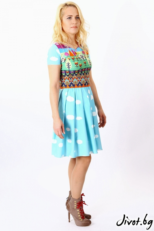 Разкроена рокля със закачлив принт в пастелни цветове / FABRA MODA STUDIO