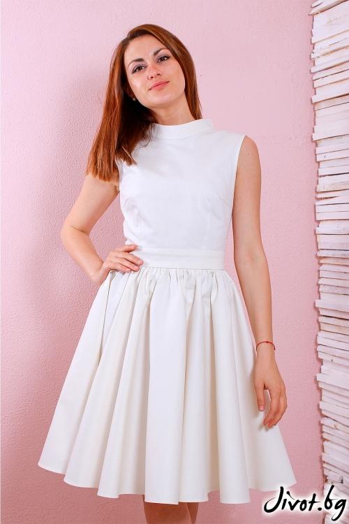 Красива бяла рокля с ефектен V гръб / Polina Petrova