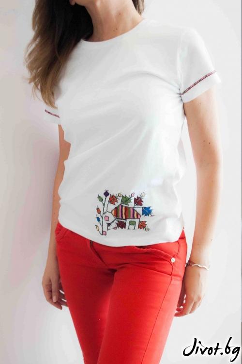 Ръчно бродирана дамска тениска с къс ръкав / EGO Te Provoco