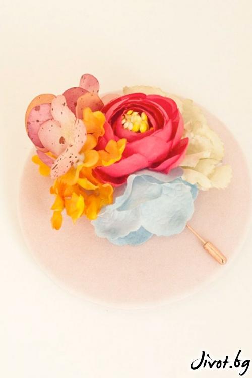 """Ръчно изработена брошка с пъстри цветя """"LENA"""" / Forget-me-not"""