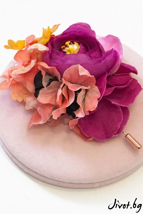 """Ръчно изработена брошка с розови цветя """"KAYA"""" / Forget-me-not"""