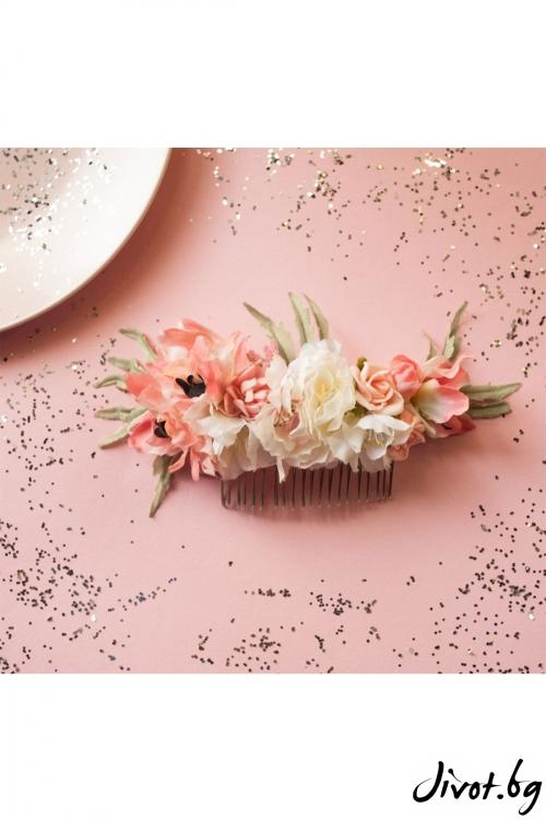 Ръчно изработен гребен с цветя в розово и бяло / Forget-me-not