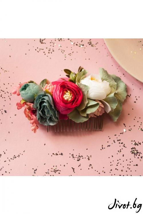 Ръчно изработен гребен в преливащи се нежни цветове / Forget-me-not