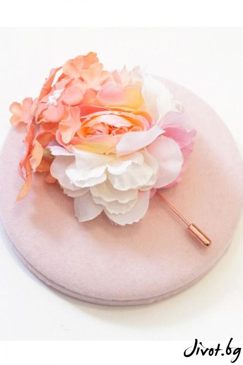 """Ръчно изработена брошка с нежни цветя """"NATALIE"""" / Forget-me-not"""