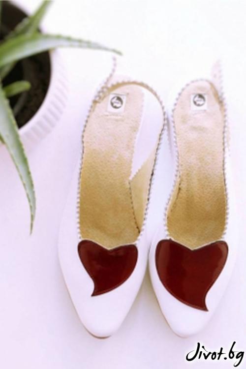 Бели дамски обувки Heart / PESH ART