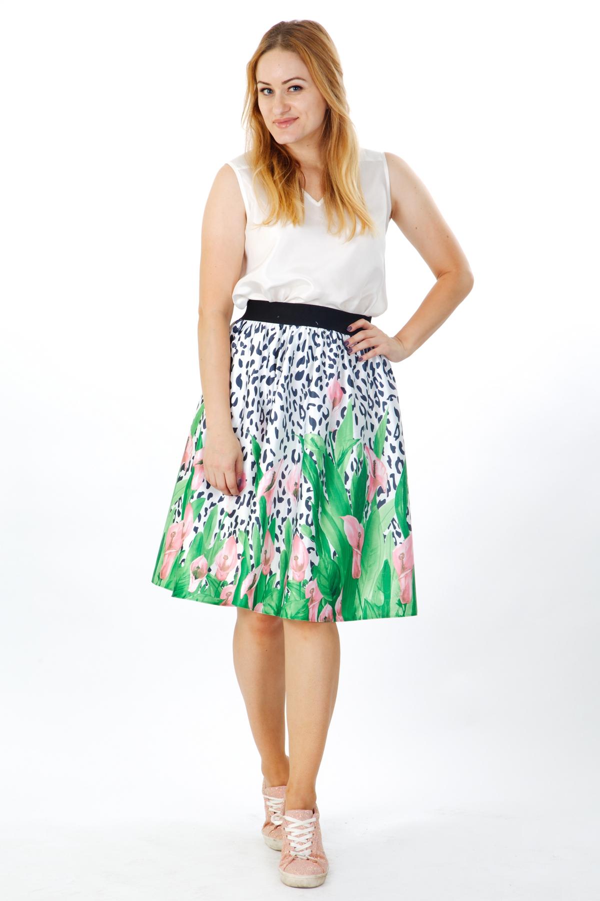 Дамска пола с нежен флорален десен