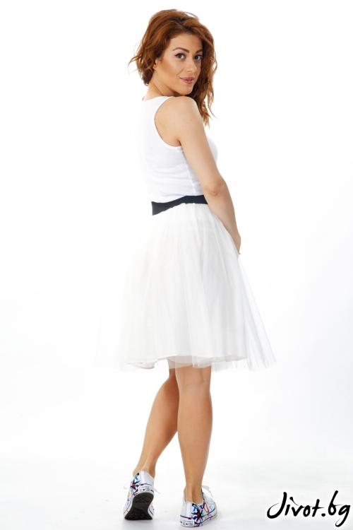 Дамска пола от тюл в бяло и черен ластик на талията