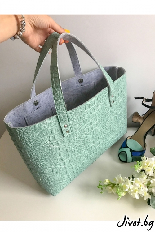 Ментово зелена чанта от декоративна кожа и филц / EMVy