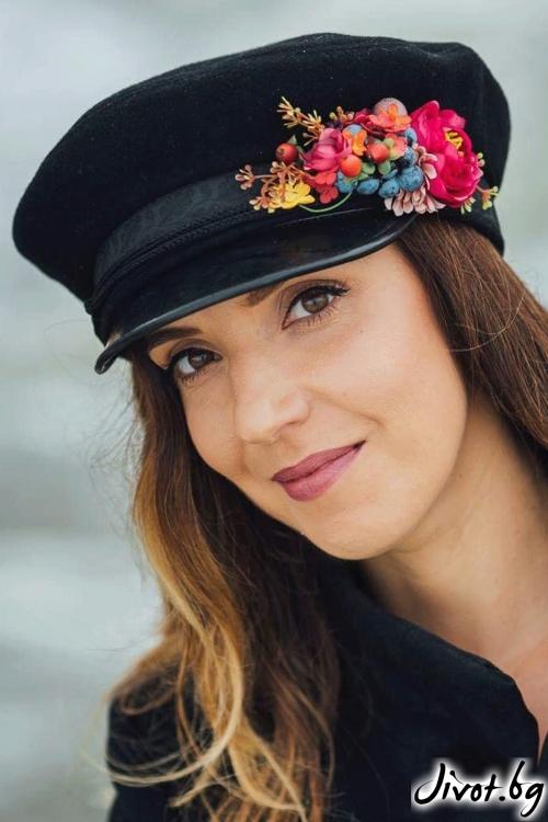 """Красива стилна шапка """"Цветен свят"""" / FloBow"""