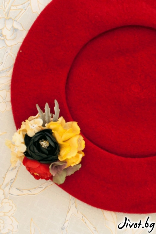 "The French Beret – ""Little red riding hood"" / Forget-me-not"