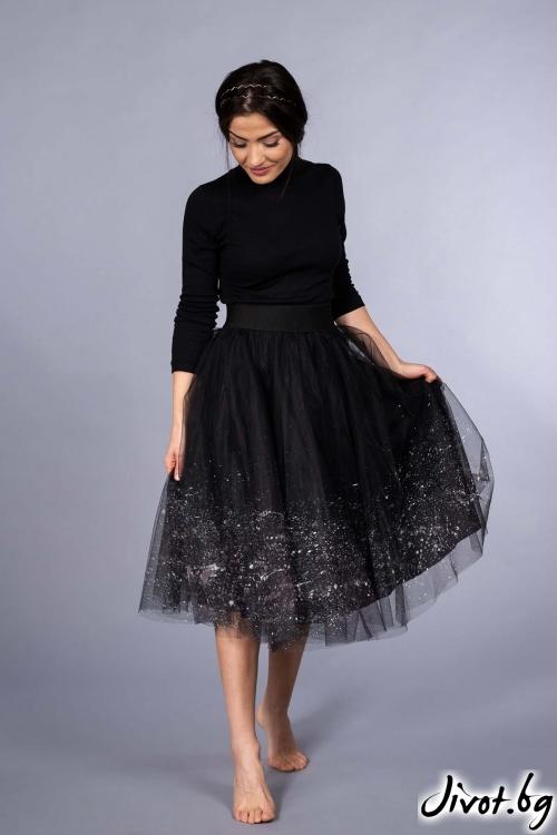 """Черна, ръчно рисувана пола от тюл """"Belle"""" / VERNE"""