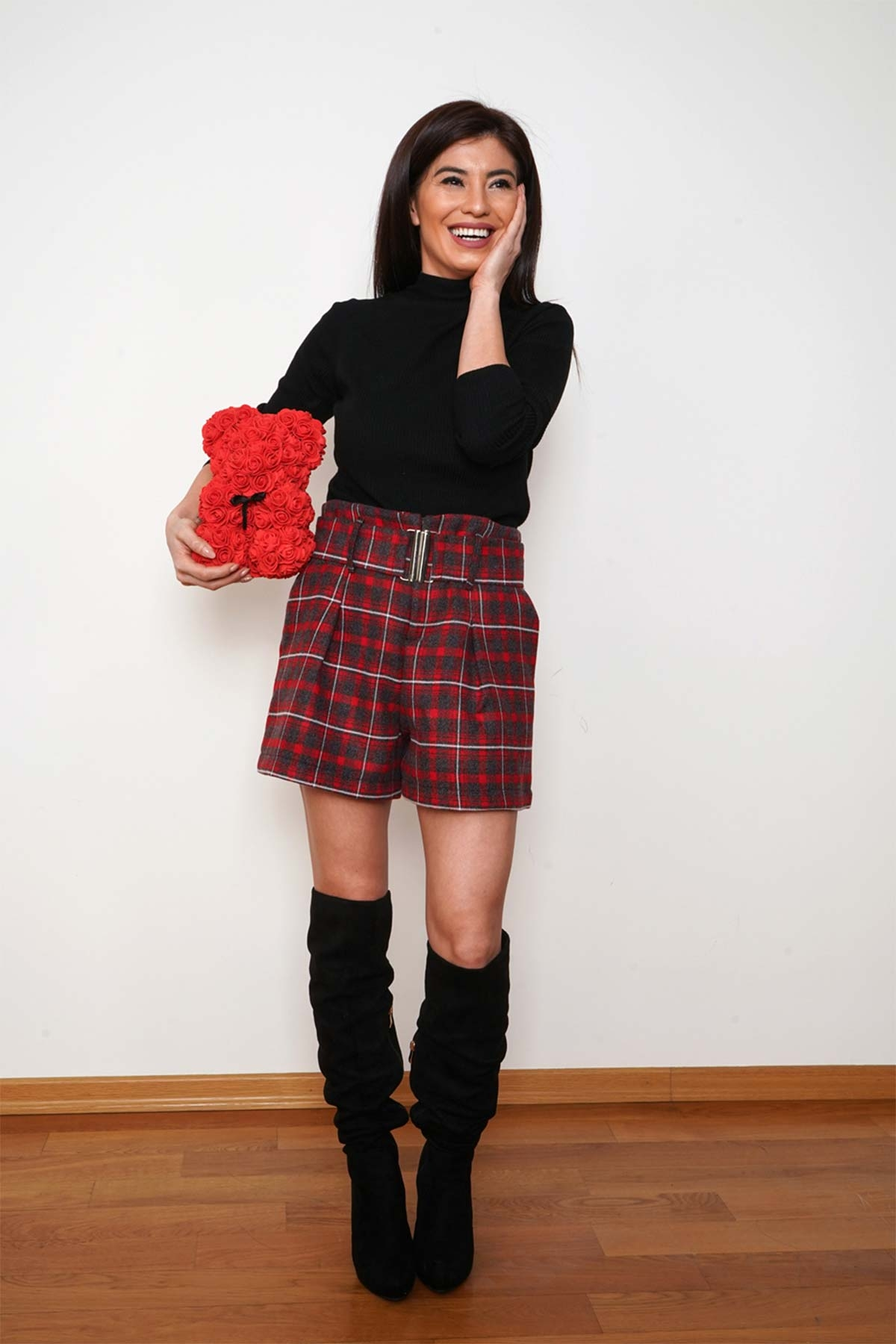 Къси карирани червени панталонки /Shushi