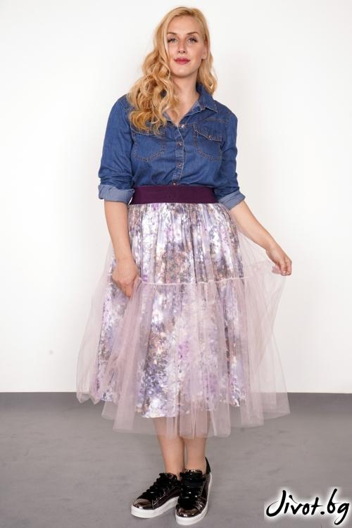 Дамска пола с флорален десен и тюл