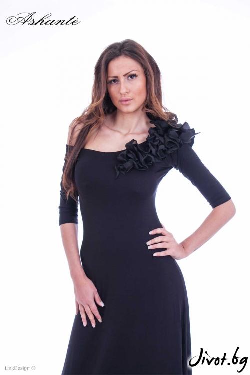 Елегантна дълга рокля с лодка деколте /Ashante