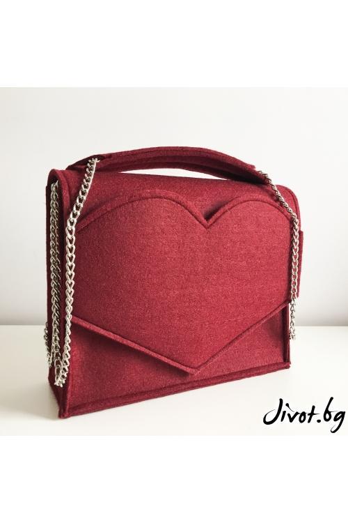 Дамска чанта от филц с джоб сърце в бордо / EMVy